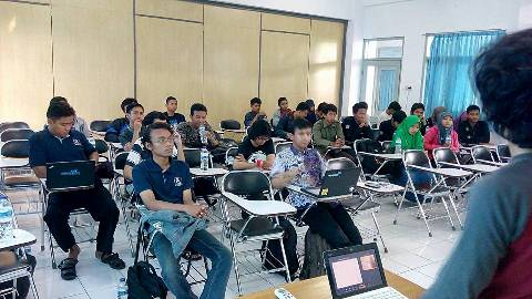 yeri-pratama-meet-up-php-indonesia.jpg